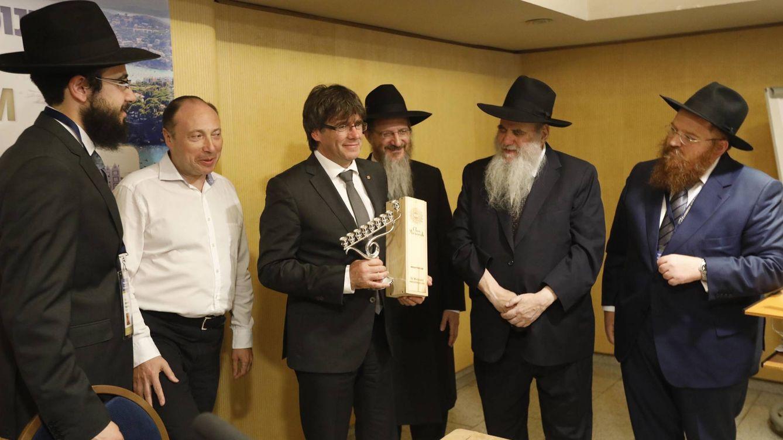 El Confidencial reconoce (indirectamente) que Puigdemont es manipulado por la mafia judía