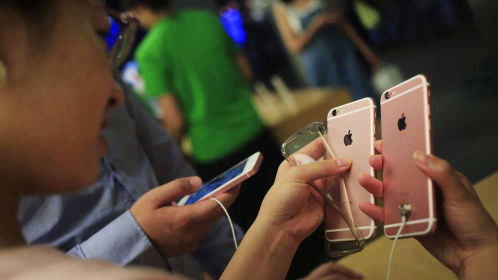 Foto: Si los rumores aciertan, la apariencia del nuevo iPhone será muy similar a las del 6 y el 6s. (EFE)