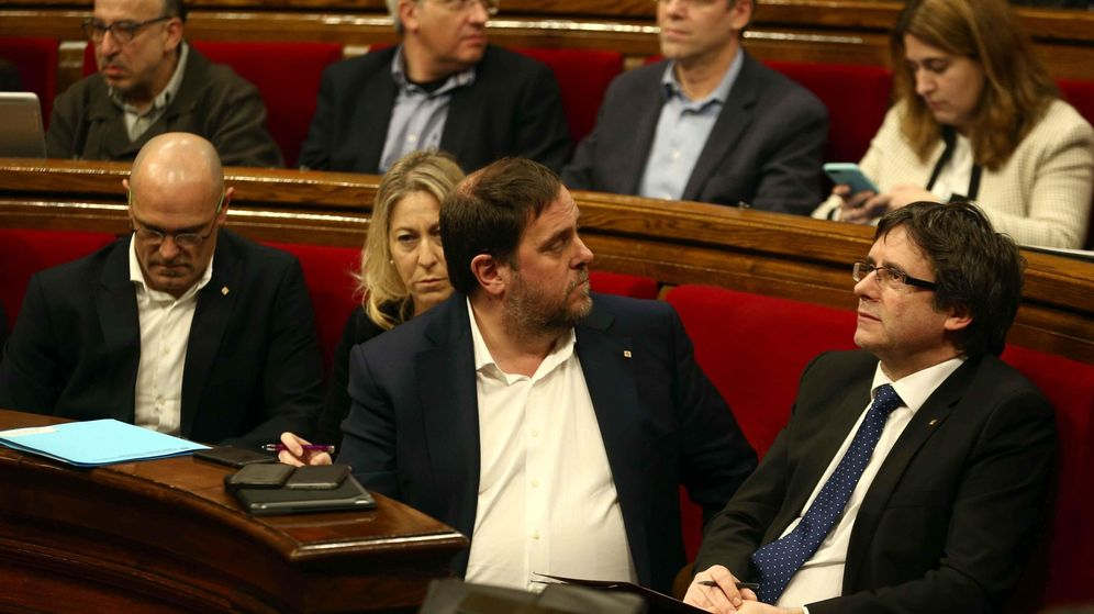 Foto: El presidente de la Generalitat, Carles Puigdemont junto a Oriol Junqueras, Neus Munté y Raül Romeva. (EFE)