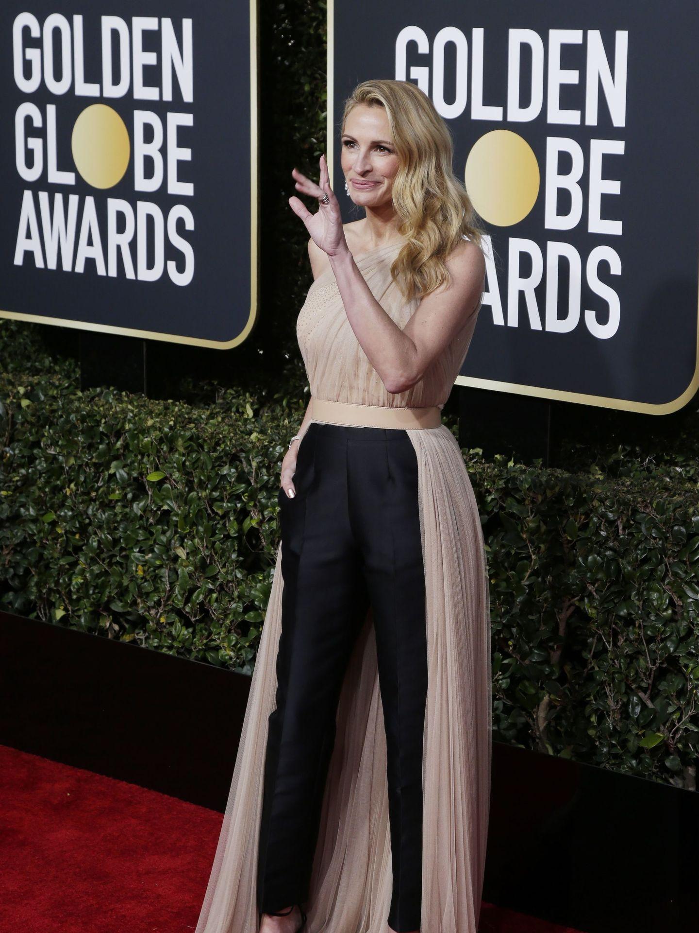 Julia Roberts, impresionante en los Globos de Oro con uno de los looks triunfadores de la noche. (EFE)