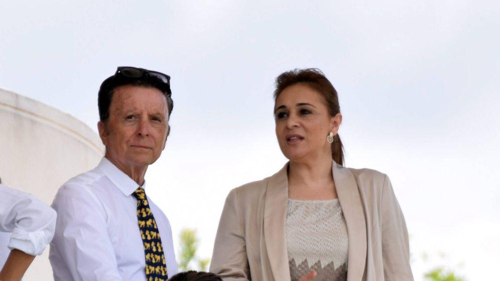 Foto:  El torero y su esposa. (Cordon Press)