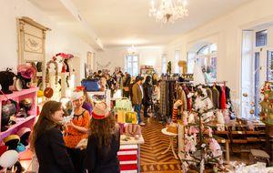 Navidad en palacio: un 'pop up' con famosos en el mostrador
