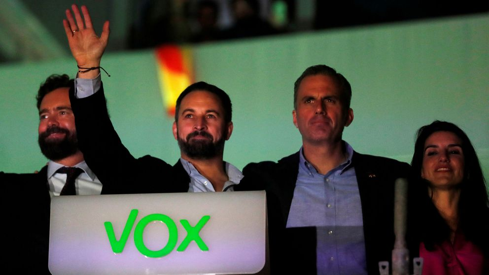 Vox se niega a apoyar a Cs y deja en el aire la oferta de Casado para el Congreso