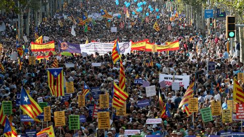 Barcelona marcha contra el terrorismo entre abucheos al Rey y 'esteladas'