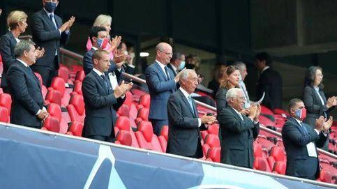 El bulo para ridiculizar a España y la bula del presidente de UEFA con la mascarilla
