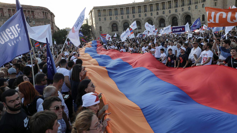 Pese a la derrota en Nagorno-Karabaj, Pashinián reedita victoria electoral en Armenia