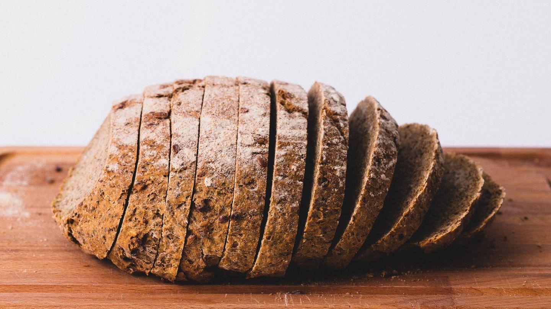 El pan fue uno de los alimentos que casi erradicó (Jude Infantini para Unsplash)