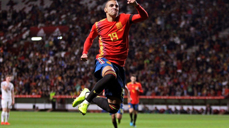 Rodrigo marcó los dos primeros goles de España ante Islas Feroe. (EFE)