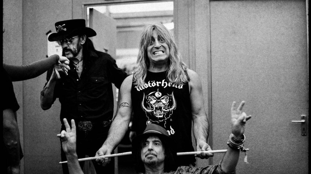 Foto: Mikkey Dee (c) con sus 'hermanos' Phil Campbell y Lemmy Kilmister.