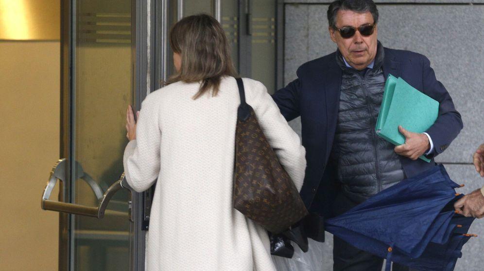 Foto: Ignacio González a su llegada a la Audiencia Nacional. (EFE)