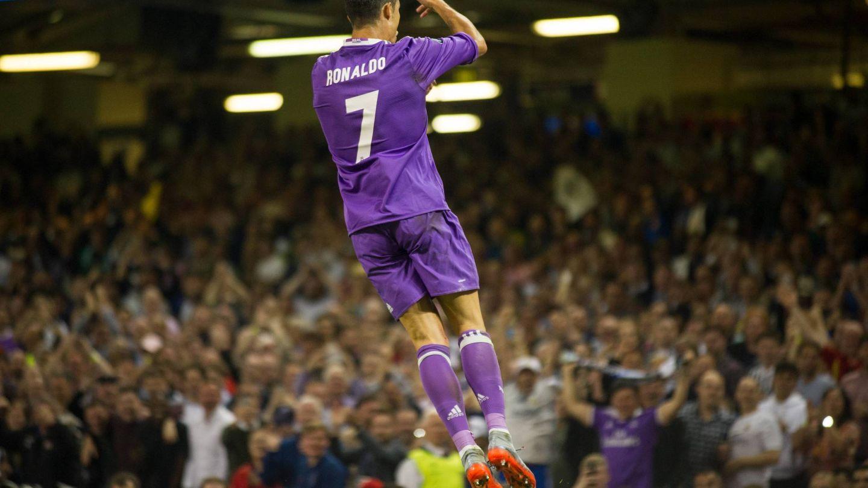 Cristiano celebra su primer gol en la final de la Champions. (Reuters)
