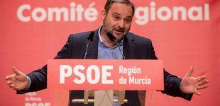 Post de De la gasolinera de Pepe Blanco al avión de Ábalos: cuando la fontanería sale mal