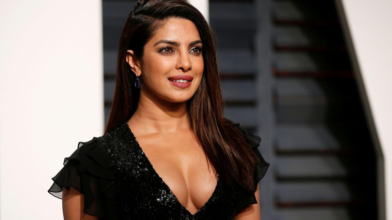 Adelgazar sin pasar hambre: así se consigue el cuerpo perfecto de Priyanka Chopra