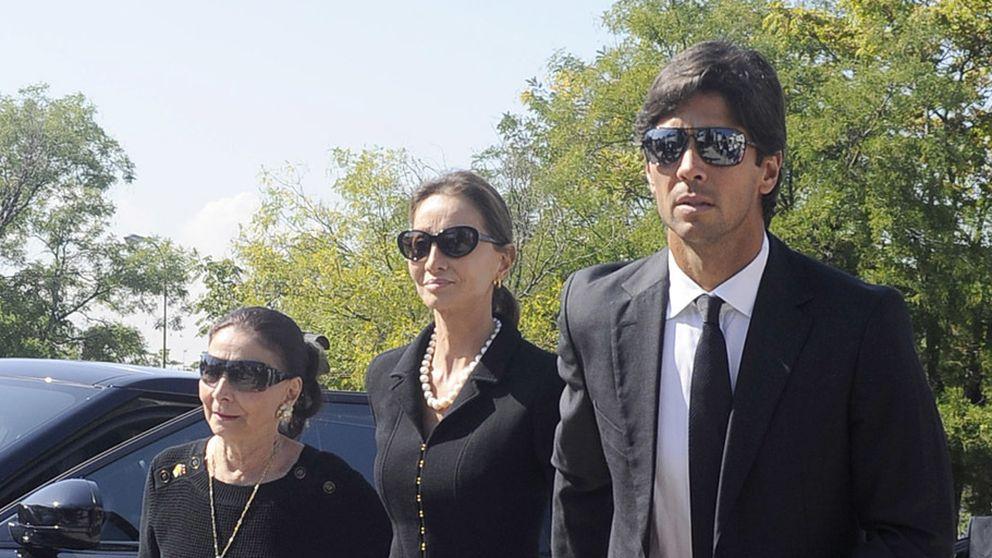 Familiares y amigos acuden al entierro de Miguel Boyer