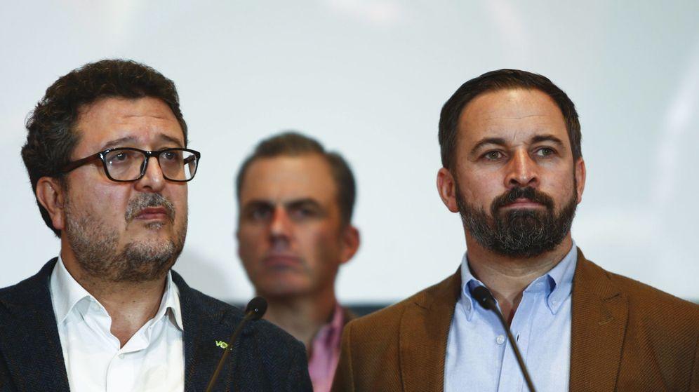 Foto: Francisco Serrano, junto a Santiago Abascal. (Reuters)