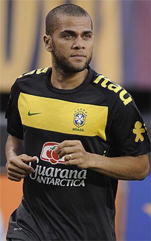 Mano Menezes llama a Marcelo y deja fuera a Dani Alves para los Juegos de Londres
