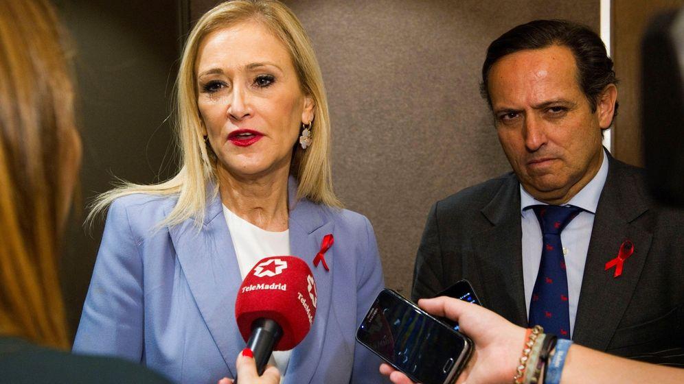 Foto: Cristina Cifuentes y Juan Pablo Lázaro. (EFE)