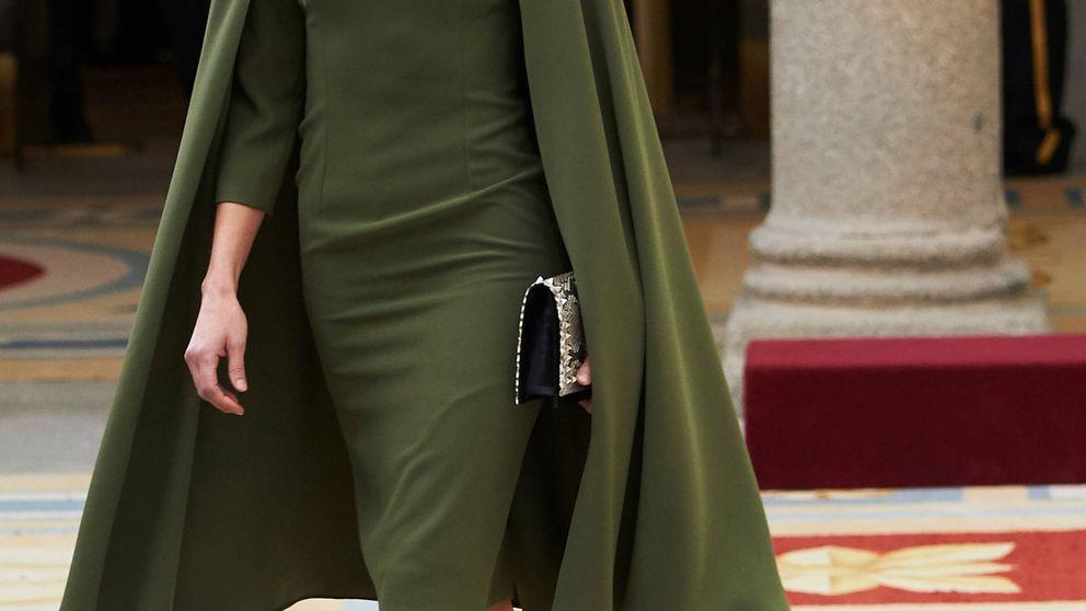 El regreso del 'OFNI' más alabado de la reina Letizia (con complementos punk)