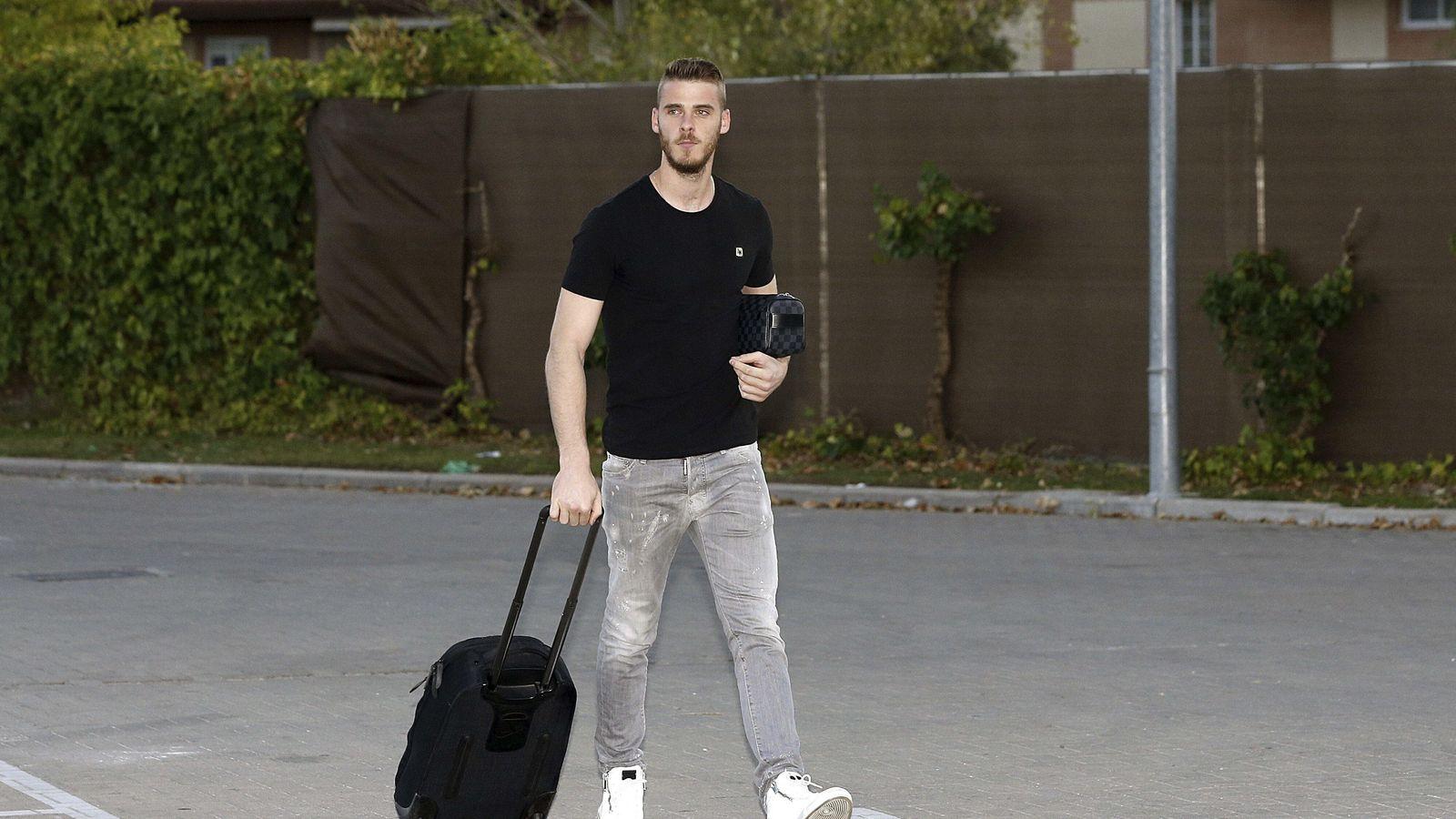 Foto: David de Gea a su llegada a la Ciudad del Fútbol de Las Rozas (Efe).