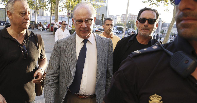 El exvicepresidente del Gobierno Rodrigo Rato (c), a su llegada a los Juzgados de Plaza Castilla. (EFE)