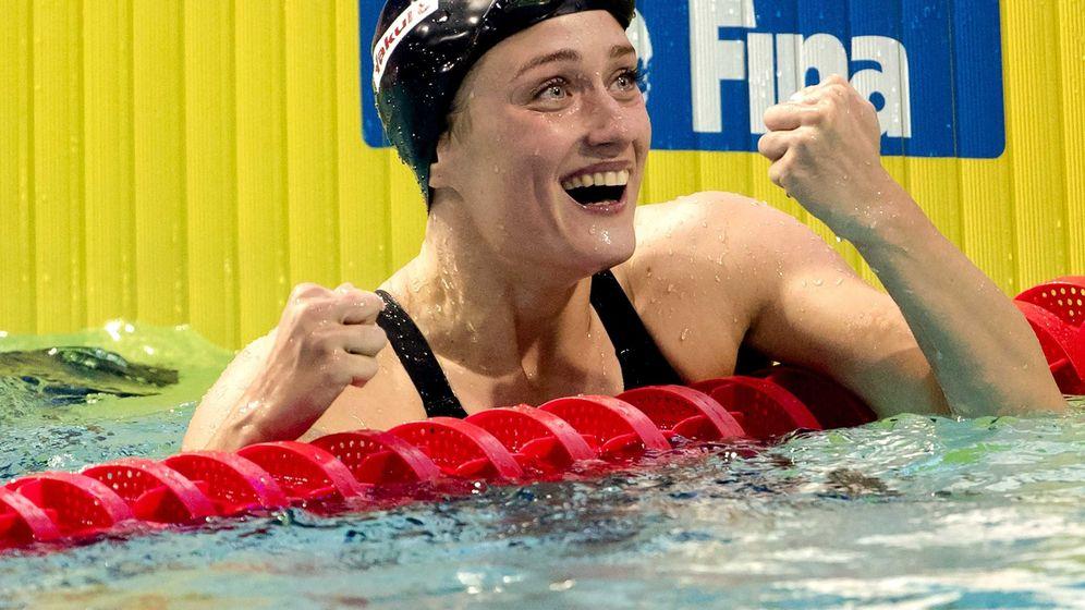 Foto: Mireia Belmonte al romper el récord de 400 en piscina corta este pasado verano. (EFE)