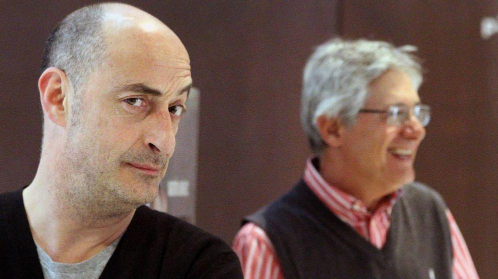 Foto: Félix Álvarez 'Felisuco' y Josema Yuste durante la presentación en Bilbao de 'La cena de los idiotas'. (Efe)