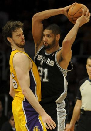 Un palmeo sobre la bocina tumba a los Lakers ante los Spurs
