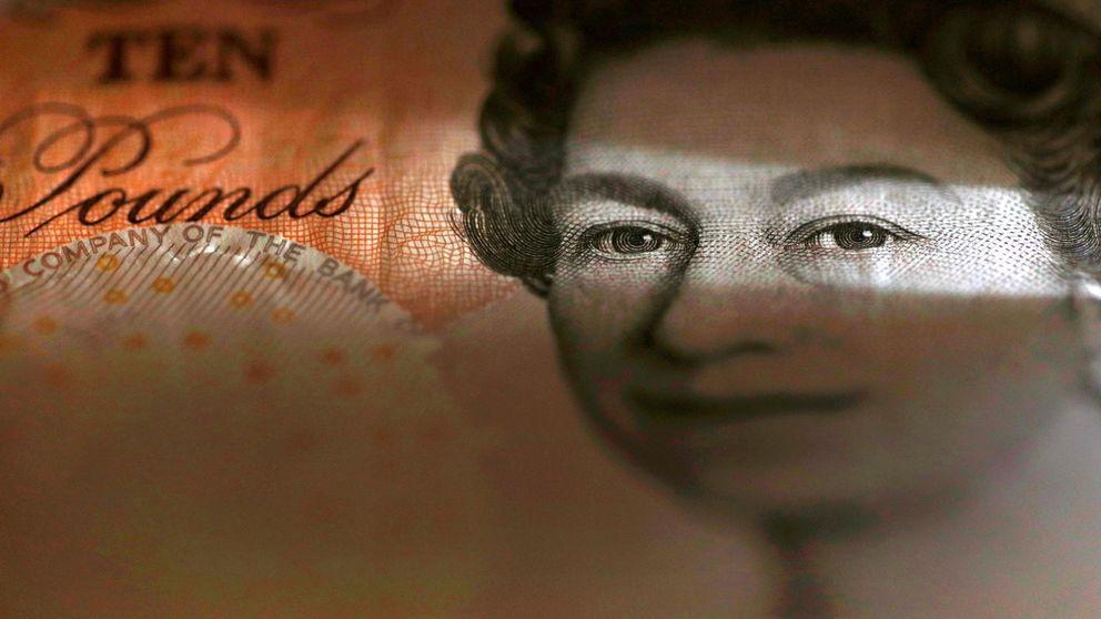 El Ibex y la libra se desploman ante los renovados miedos al Brexit