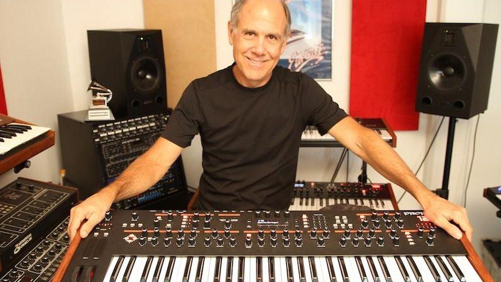 Foto: Dave Smith, el padre del MIDI (Foto: keyboardmag)