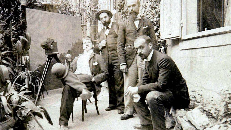 Italo Svevo sentado.