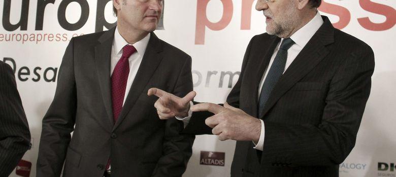 Foto: El jefe del Gobierno, Mariano Rajoy, presentó la intervención del presidente valenciano, Alberto Fabra (Efe)