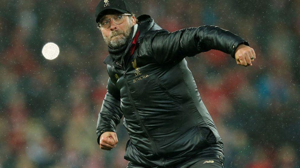 Foto: Jürgen Klopp celebra con energía una victoria del Liverpool en Anfield. (Efe)