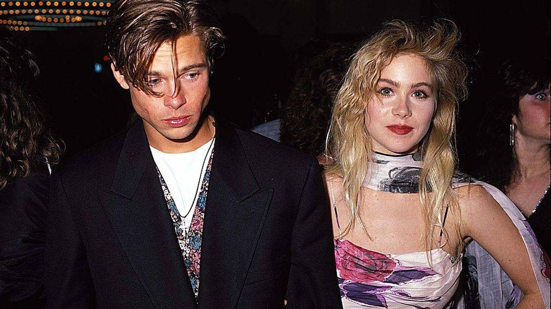 Brad Pitt y Christina Applegate, en 1989.  (Getty)