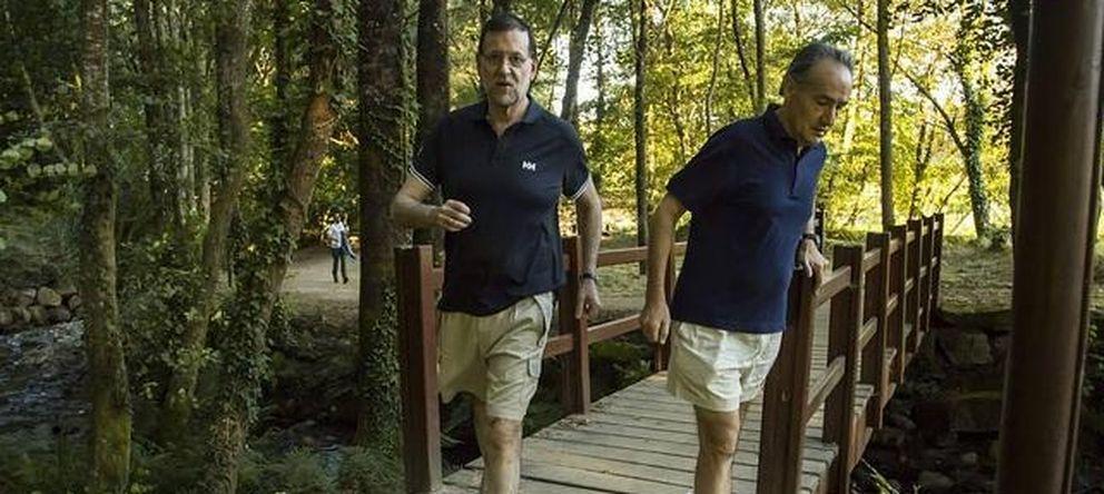 Foto: Mariano Rajoy saliendo a correr en uno de sus veranos en Galicia (EFE)