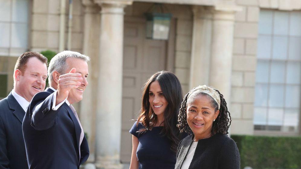 Foto: Meghan y Doria durante los preparativos de la boda real. (Getty)