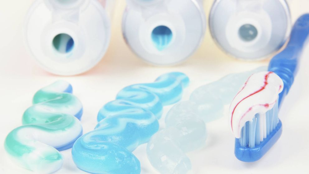 La pasta de dientes contiene ingredientes potencialmente tóxicos
