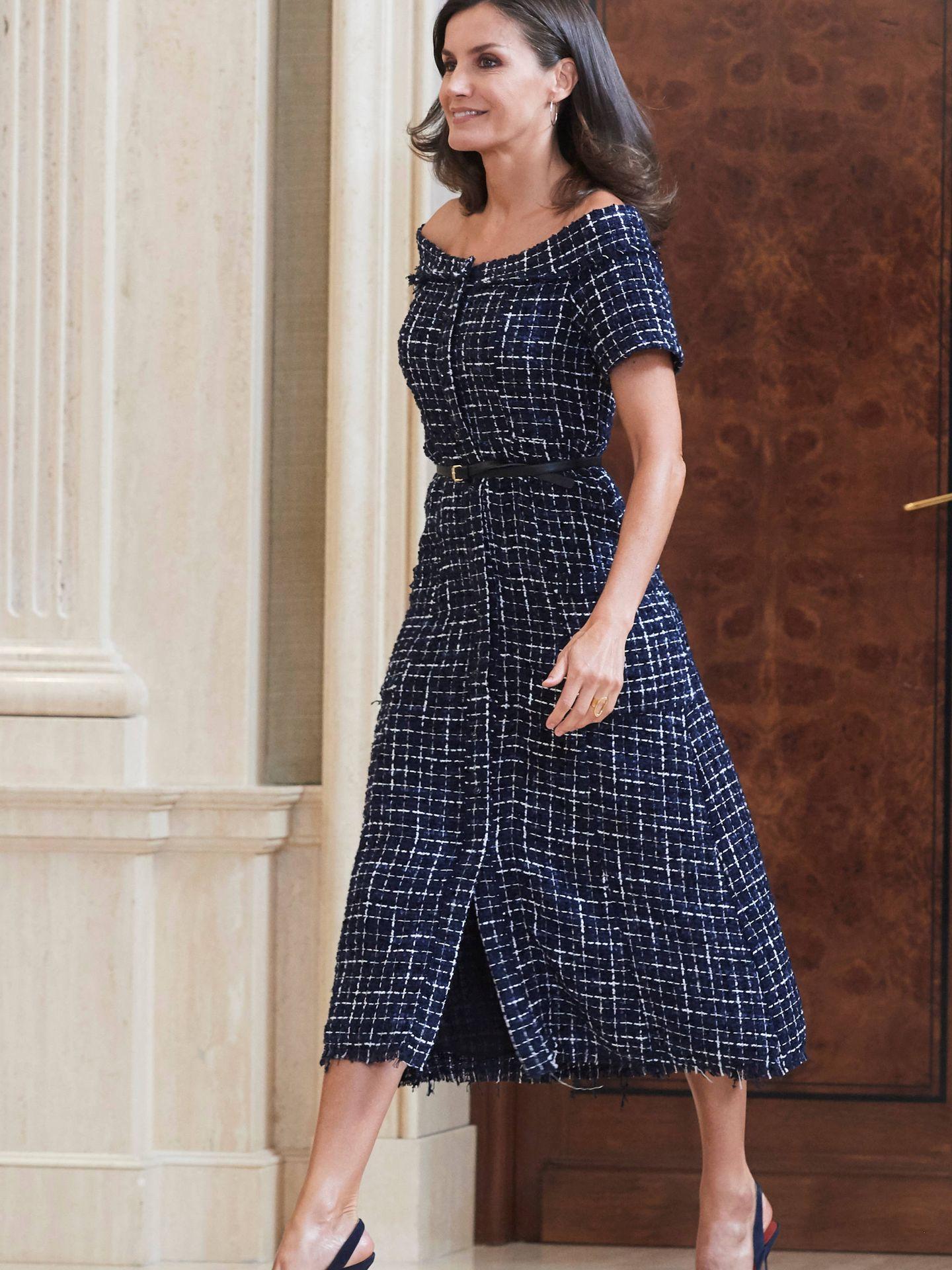 La Reina, con un vestido de Zara. (Limited Pictures)