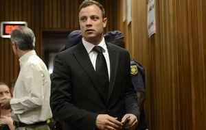 Oscar Pistorius, condenado a cinco años de cárcel por el homicidio de su novia