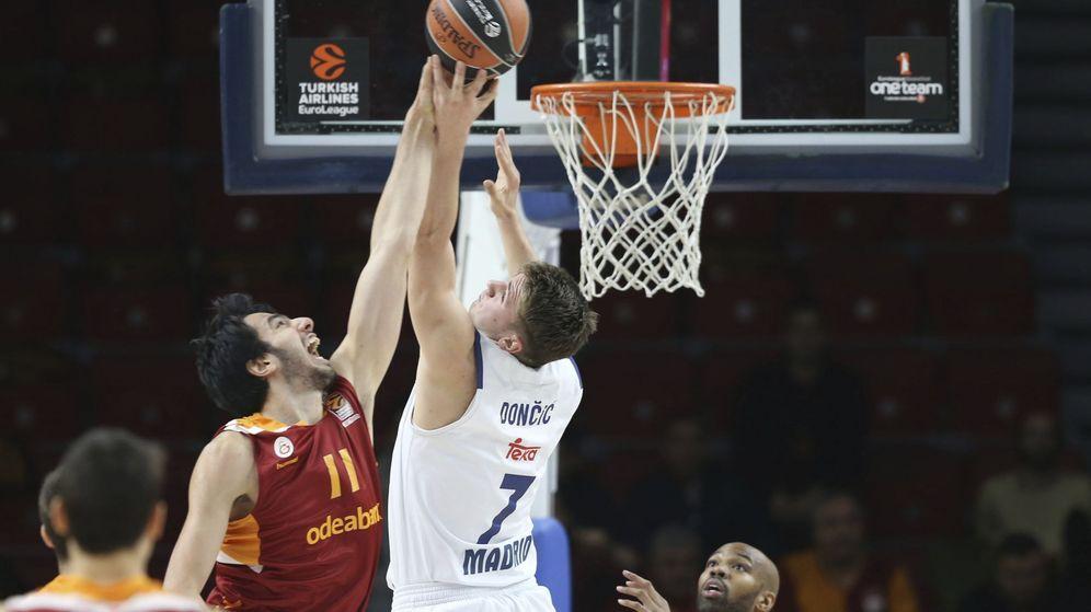 Foto: Doncic fue el mejor del Madrid contra el Galatasaray (Tolga Bozoglu/EFE)