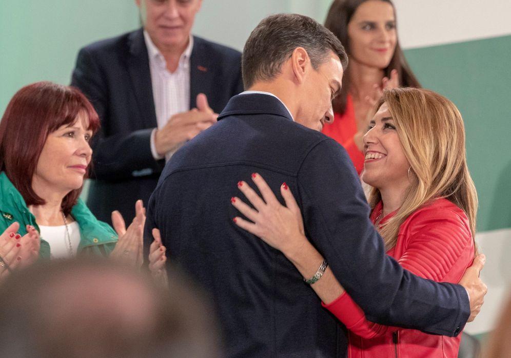 Foto: Pedro Sánchez y Susana Díaz, en el comité director del pasado 20 de octubre en Sevilla. (EFE)