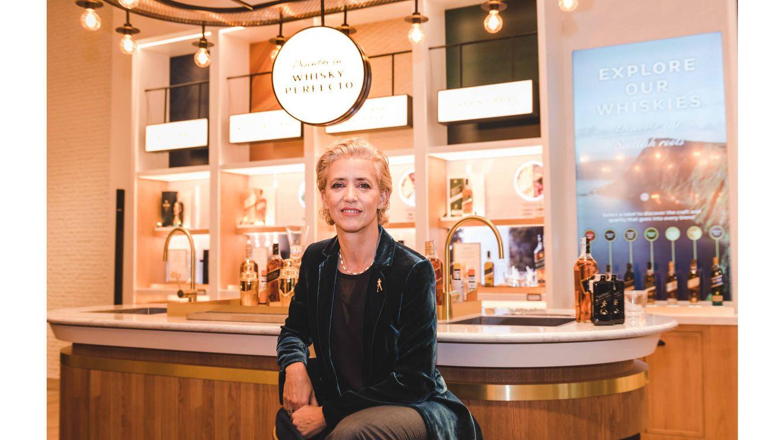 Foto: Cristina Diezhandino, en la innovadora tienda de Johnnie Walker en la calle Serrano de Madrid.