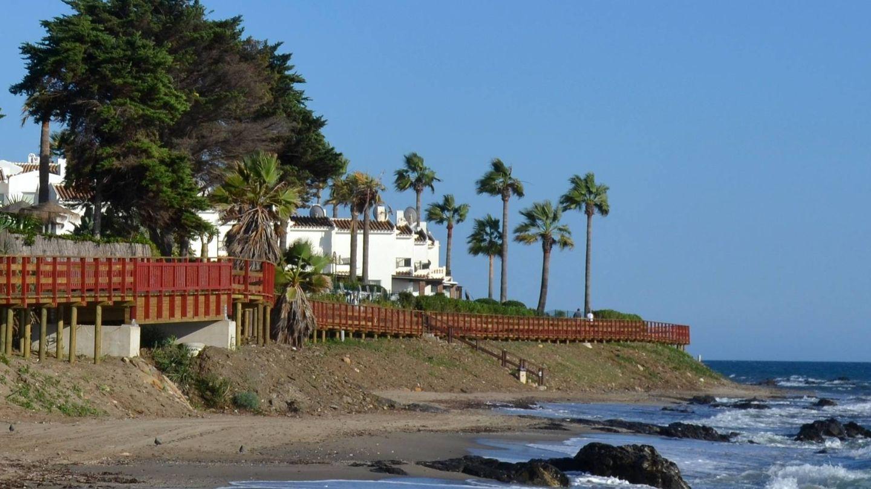 Por aquí pasa el sendero que recorre el litoral. (Foto: Turismo Mijas)