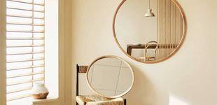 Post de Añade magia (y espacio) a tu salón con estos maravillosos espejos de Zara Home