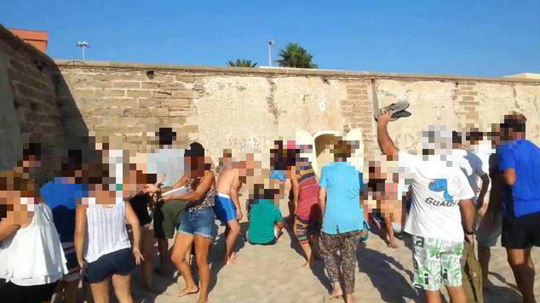 El Colegio de Médicos investiga al médico chamán al frente de una secta en Sevilla