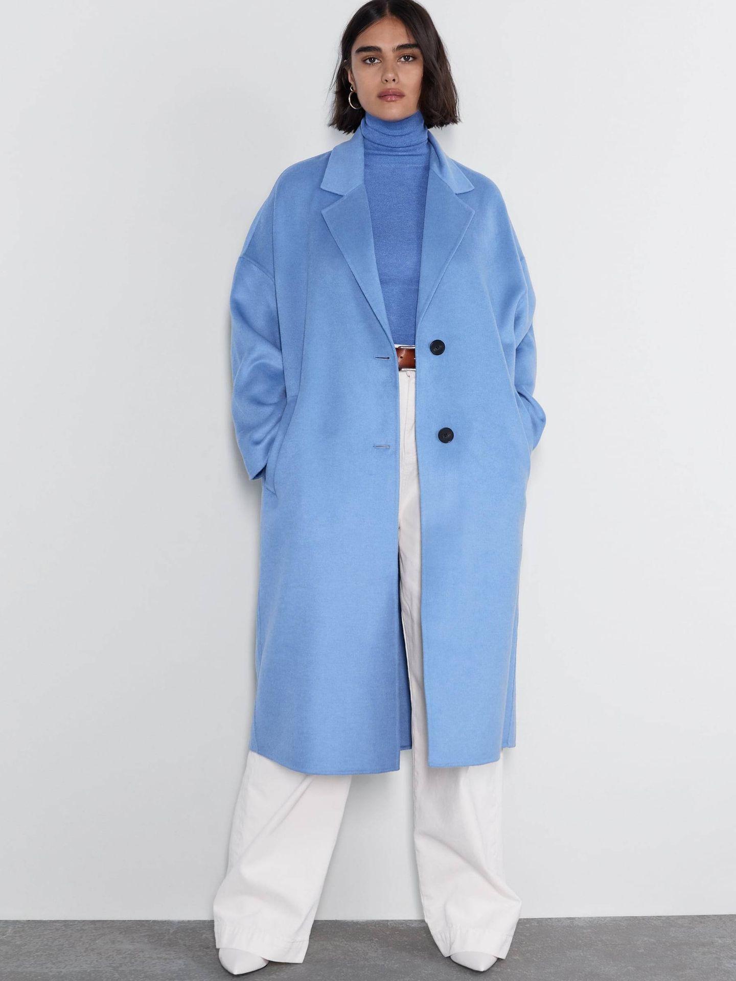 Abrigo azul. (Cortesía)