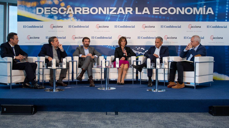 Mesa redonda 'Sociedad y economía en una España descarbonizada'.