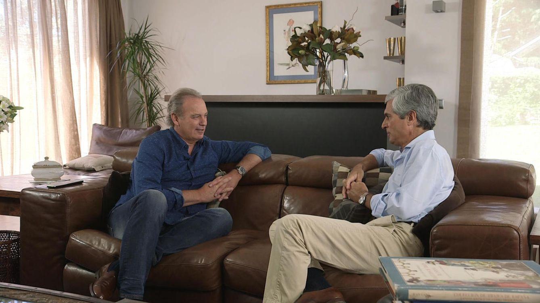 Foto: Bertín Osborne entrevistando a Adolfo Suárez Illana en 'En la tuya o en la mía'
