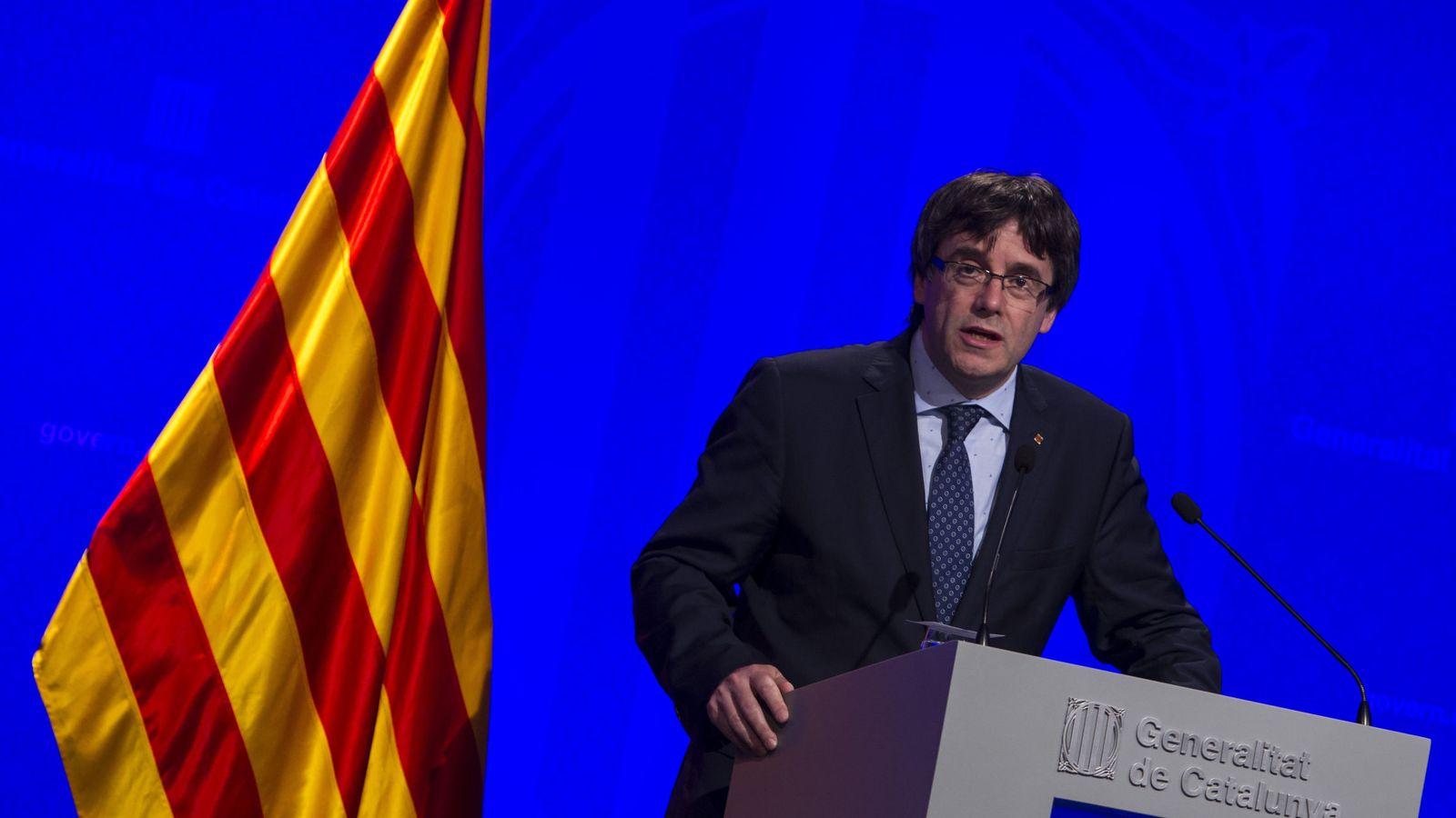 Foto: El presidente de la Generalitat de Catalunya, Carles Puigdemont, durante una rueda de prensa. (EFE)