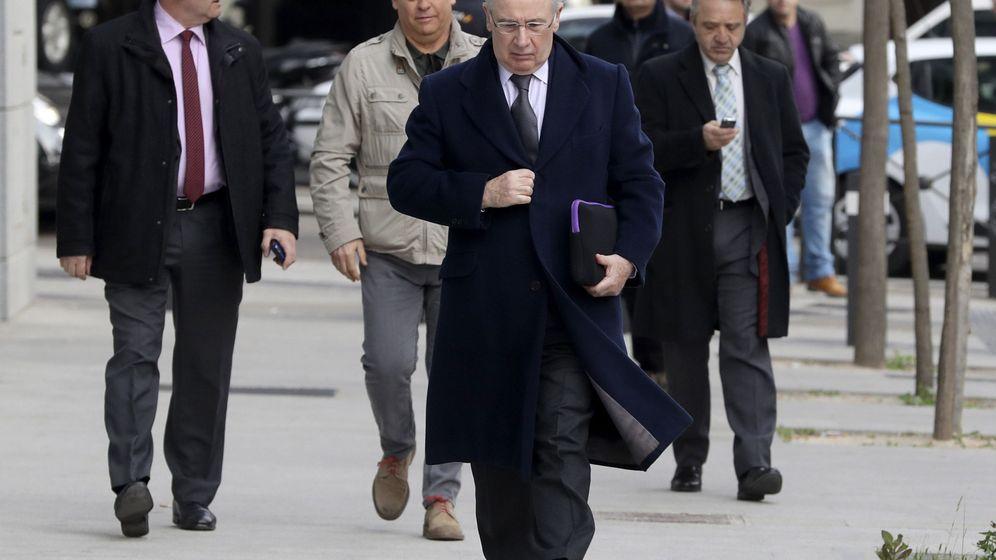Foto: El expresidente de Caja Madrid Rodrigo Rato, a su llegada a la sede de la Audiencia Nacional. (EFE)