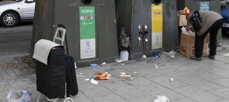 Foto: Mujeres y parejas jóvenes son los perfiles de las personas más atendidas por Cáritas. (Reuters)